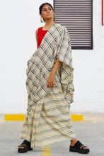 Load image into Gallery viewer, Urban Drape Smoke on the Water saree