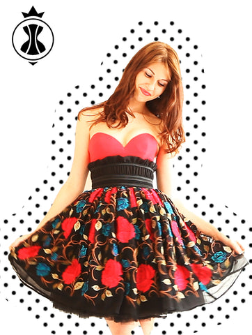 Pattern: Cupped Dress with Full Skirt