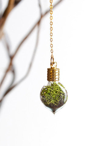 Terrarium Heart Necklace Gold