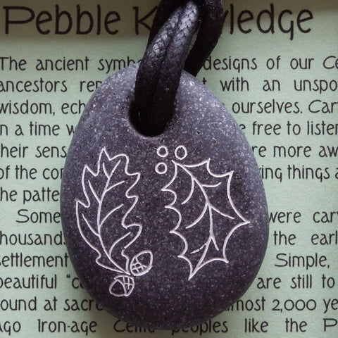 Pictish Pebble Pendant - Holly and Oak (B16)