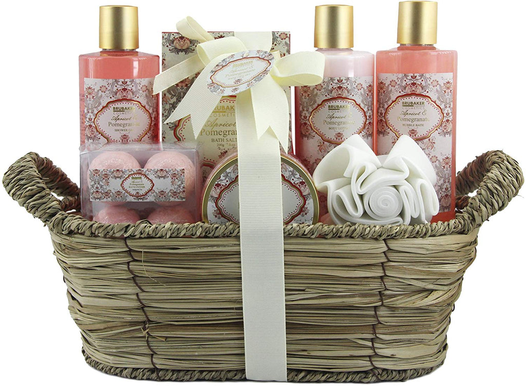 BRUBAKER Cosmetics 'Apricot & Pomegranate' 11-Pieces Bath Gift Set in Wicker Basket 16CD13