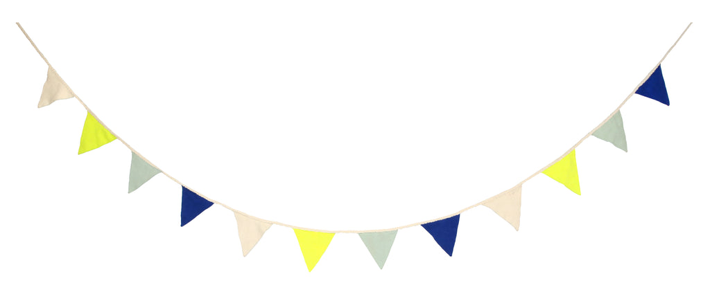 Knitted Flag Bunting Blue
