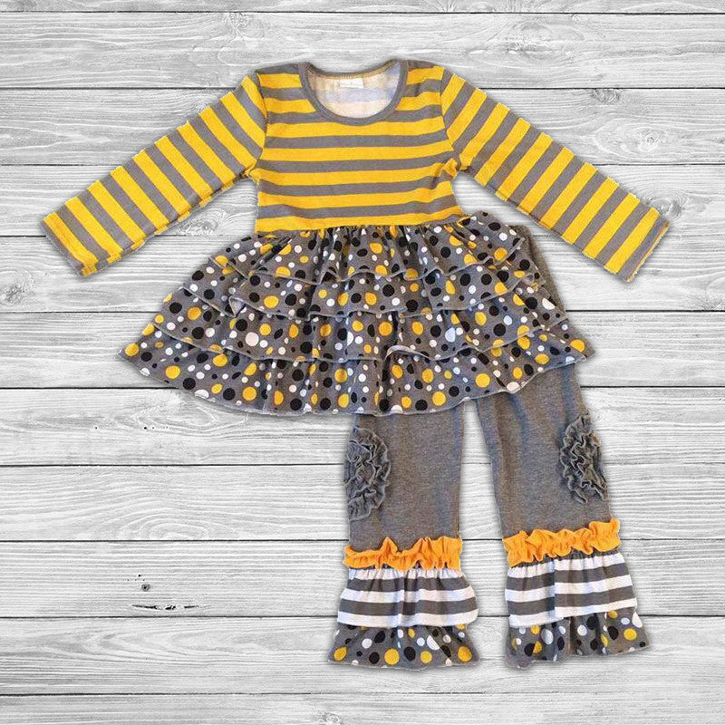 The Bees Ruffled Knees Set with Bow