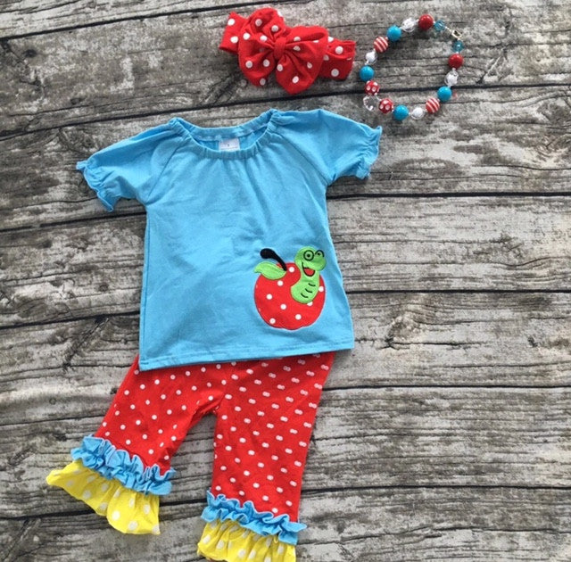 Inch Worm AppleTwo Piece Set with Bow and Necklace