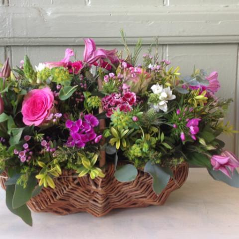 Henstridge - Basket Arrangement Pink Roses.