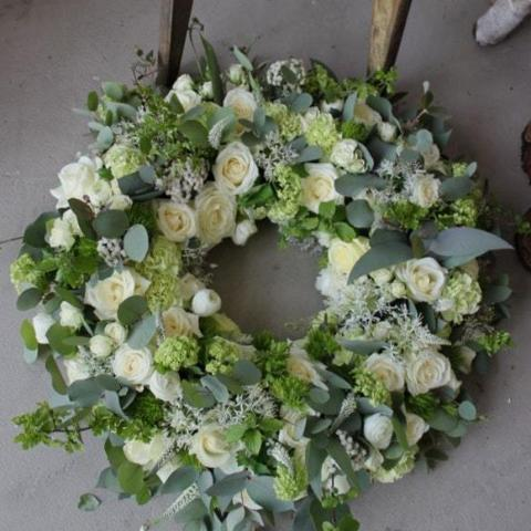 Sparsholt - Funeral Flowers Cream Country Wreath