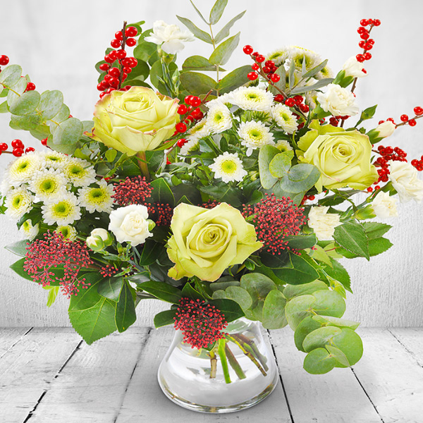 Christmas Flowers - Dancer White Bouquet with Berries.