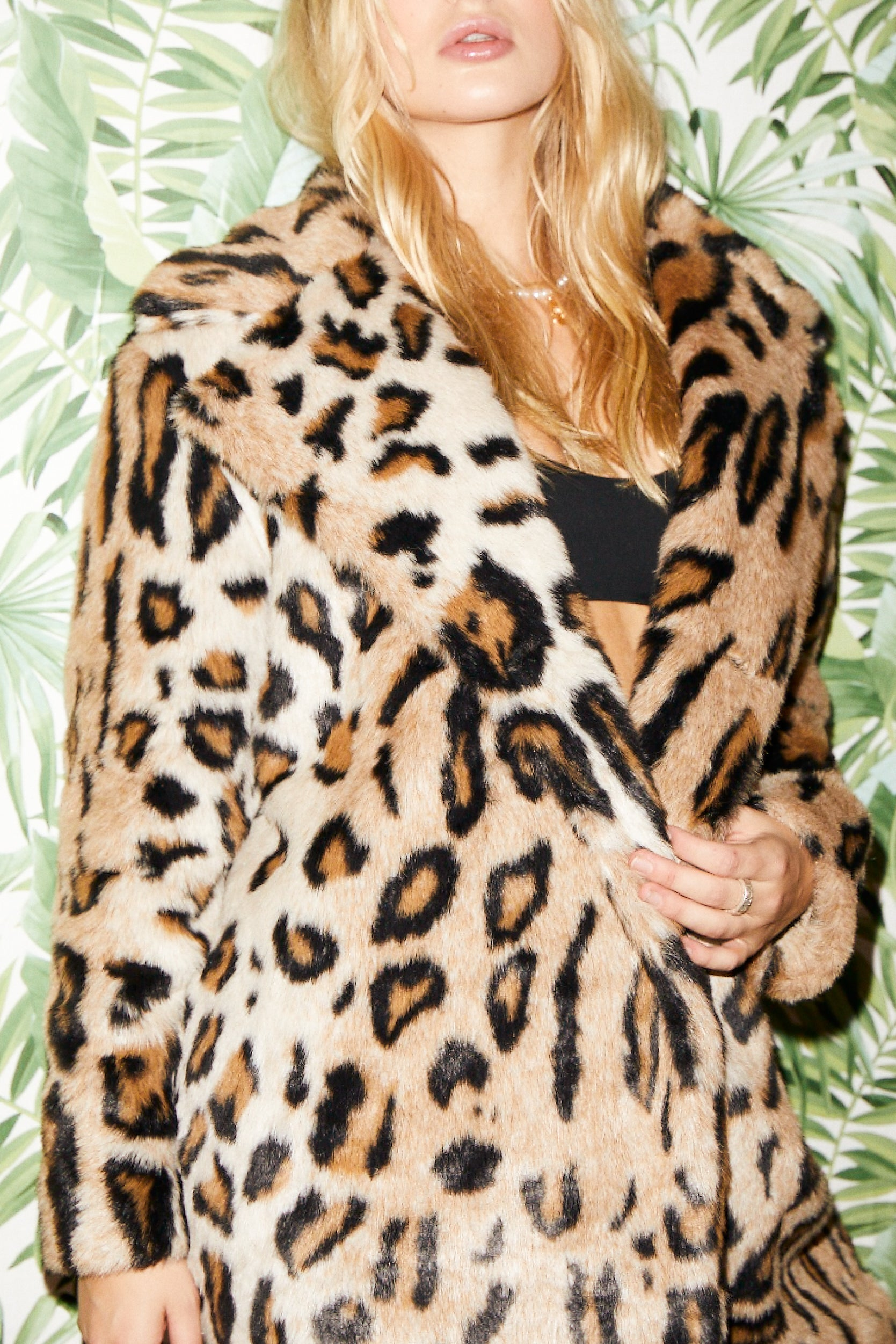 SHACI Antibes faux fur long coat with button closure and collar in leopard color print. Comfortable, cozy, breathable, lightweight, fitted, anti-wrinkle, Japanese faux fur fabric.