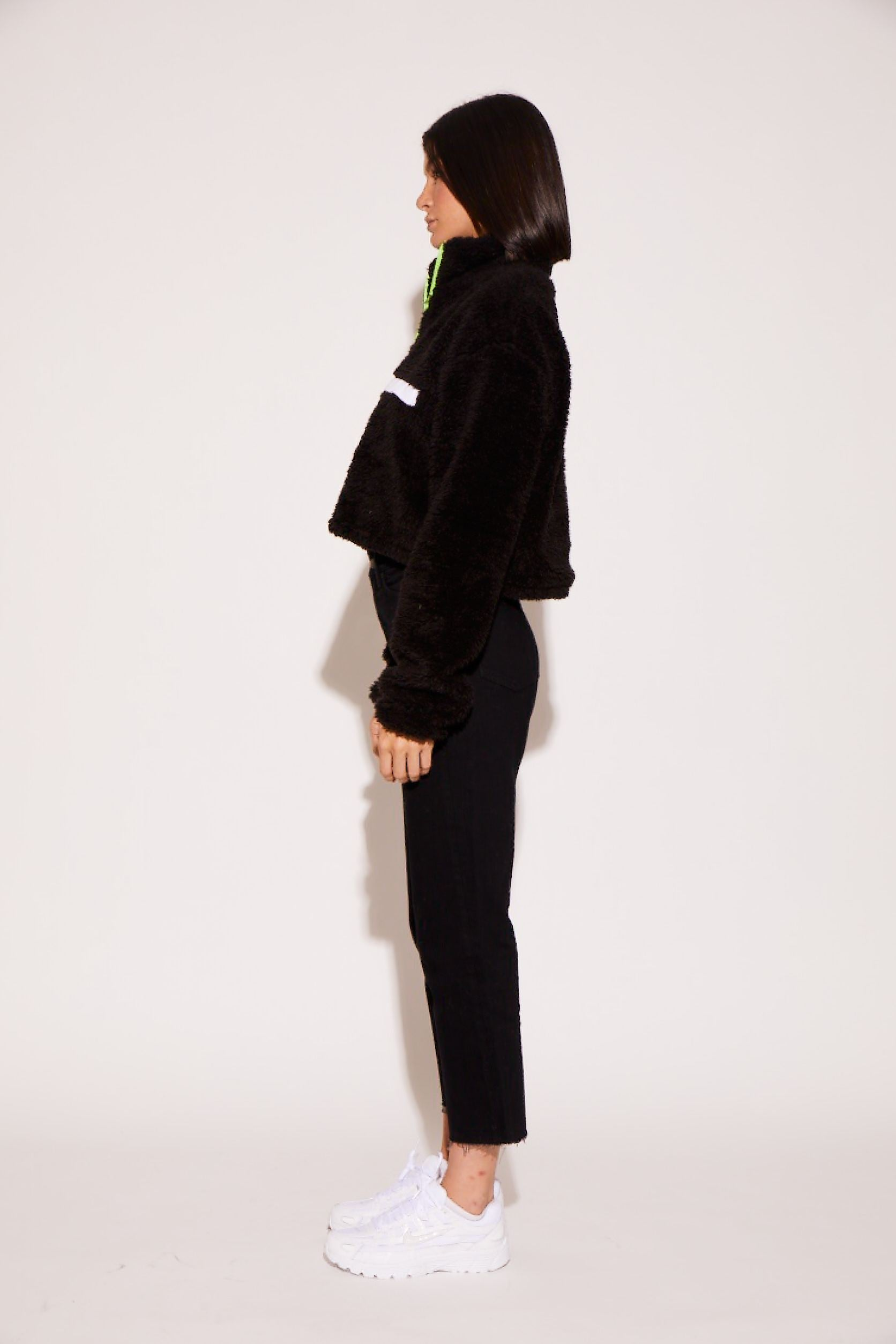 shaci-cropped-pullover-jacket-black
