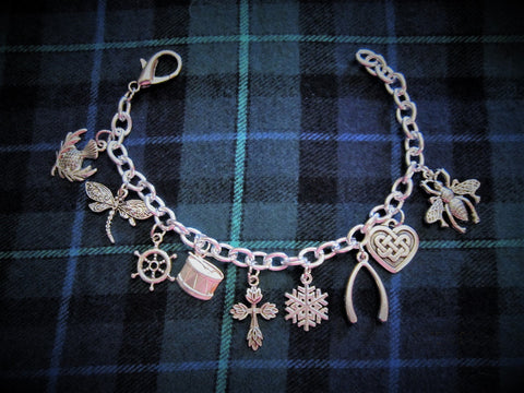 A Outlandish Themed Charm Bracelet (Free Surprise Gift with This Bracelet Only)