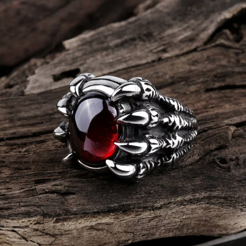 2017 Fashion Rings for Women Male Ring Men Popular Punk Stainless Steel Gold Rings Red Stone Jewelry Skull Ring Claw Finger