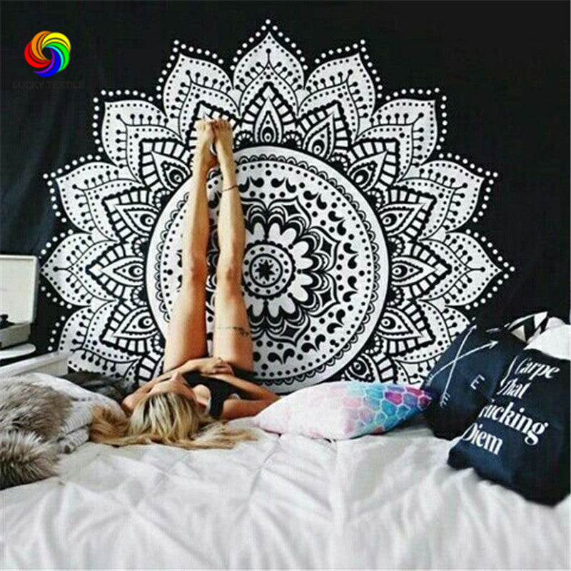 Home Decor Wall Tapestry Mandala Floral Art Hanging Tapestry 150*150cm Black And White Blue Indian Boho Wall Carpet Sheet Europe