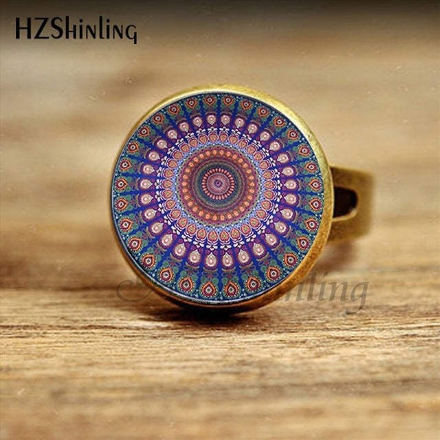 2017 New Arrival Buddhism Mandala Ring Round Peacock Feathers Boho Bohemian Jewelry Glass Cabochon Rings Wholesale