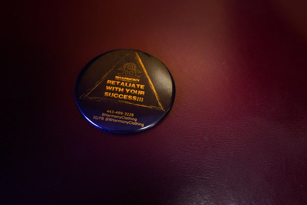 "Compact Mirror ""Retaliate With Your Success"" (Black And Gold)"