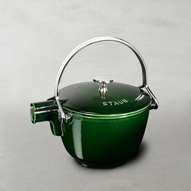 Round Tea Kettle, Basil