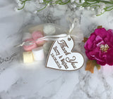 Wedding favour tag - heart with names and date - Wooden wedding - Fred And Bo