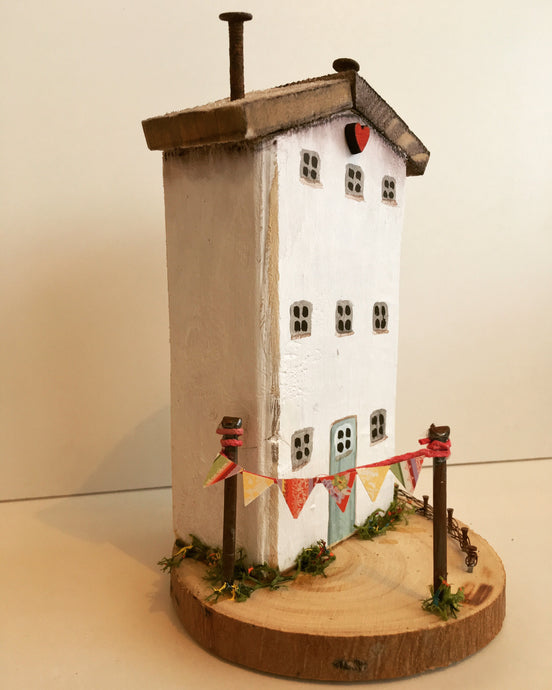Tall house - Driftwood house #009