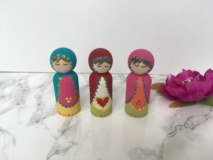 Set of 3 Hand painted Matryoshka style Heart Peg Doll - Fred And Bo