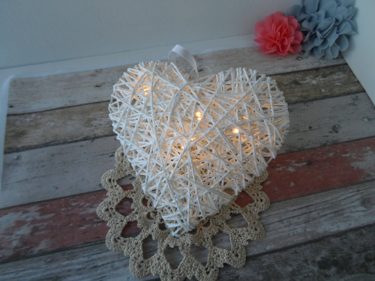 White heart rattan style small light - Fred And Bo
