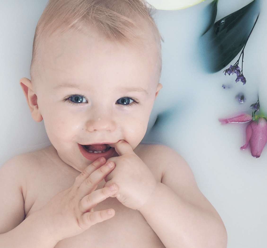 5 Amazing Benefits of a Milk Bath for Baby