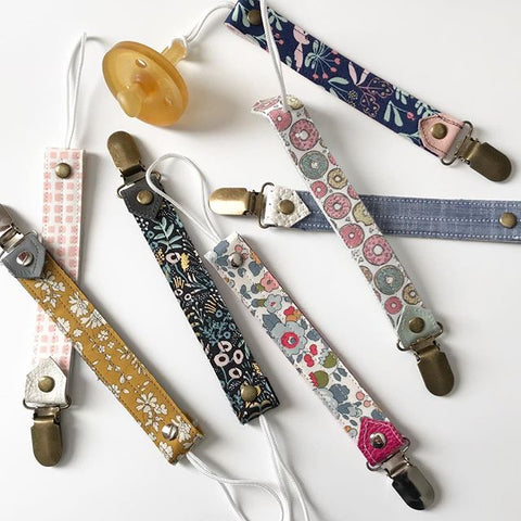 Perfectly-cloudy-pacifier-clips