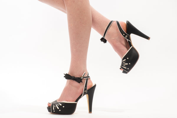 Pin Up Betty Heel in Black