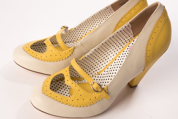 Riverdale Pumps in Yellow