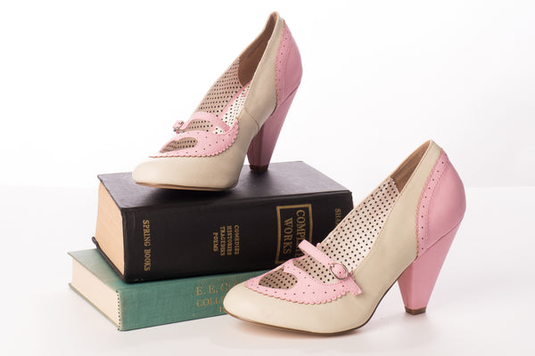Riverdale Pumps in Pink
