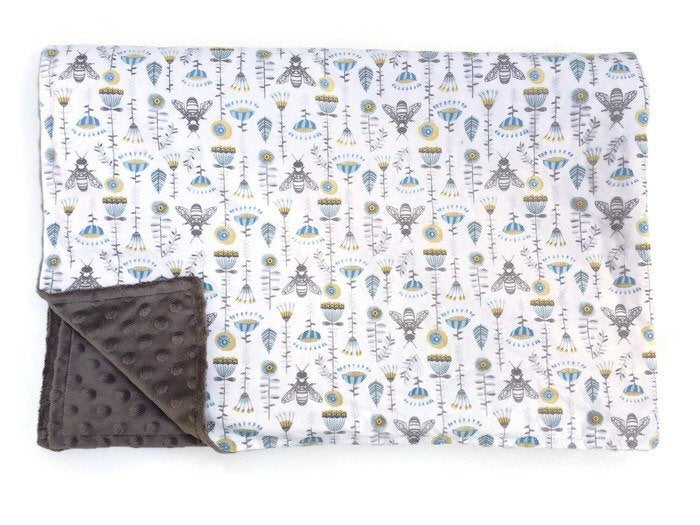 Bumble Bee Baby Blanket Floral - Dream Evergreen @DreamEvergreen
