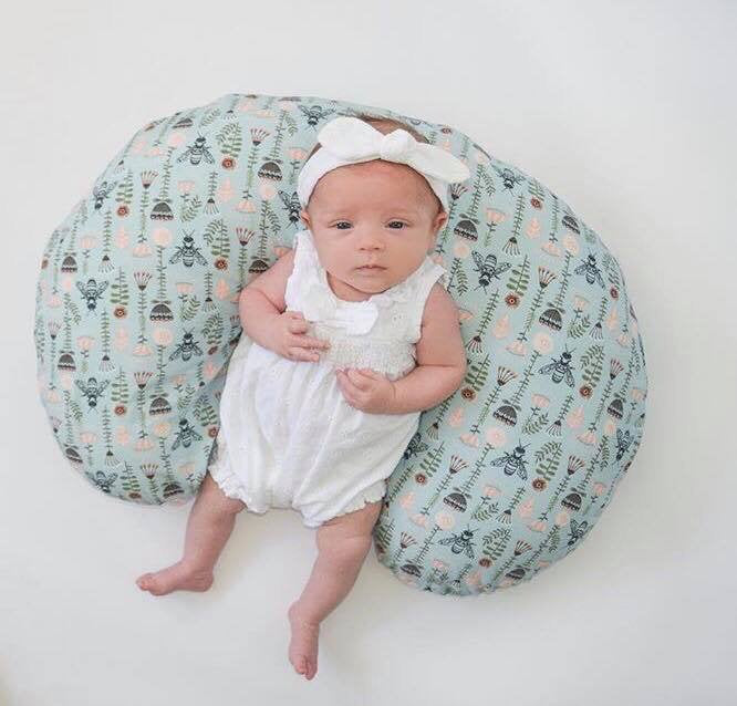 Bee Nursing Pillow Cover - Bumble Bee Flowers Boppy Cover - Dream Evergreen @DreamEvergreen