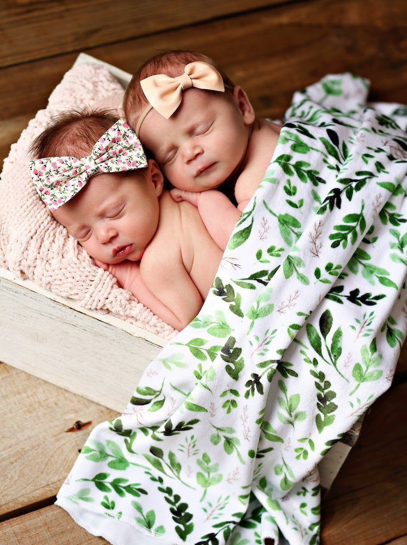 Greenery Swaddle Blanket - Leaves Baby Blanket - Dream Evergreen @DreamEvergreen