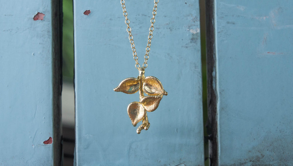 Gold Million Heart Leaf Pendant