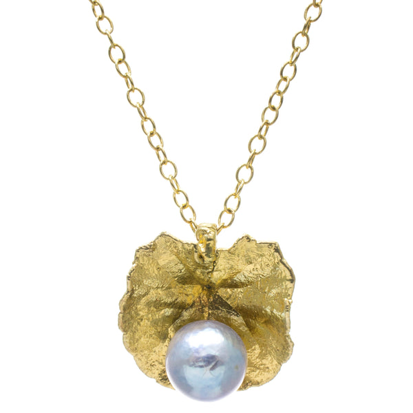 Miniature Gold Pennywort Pendant with Pearl
