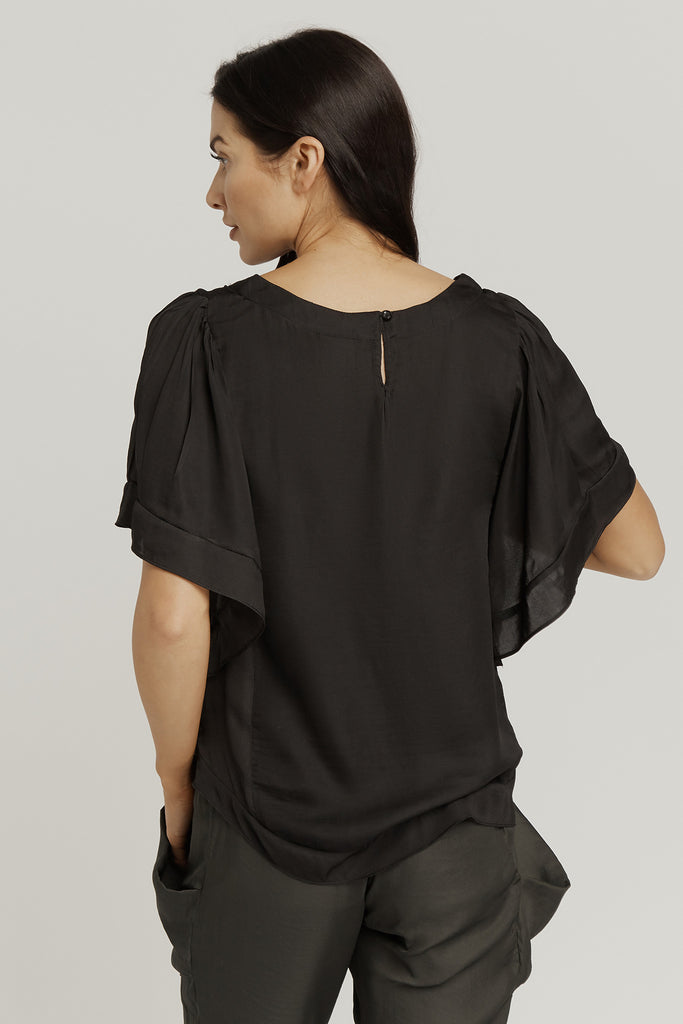 TOP with SHORT BELLE SLEEVE / BLACK
