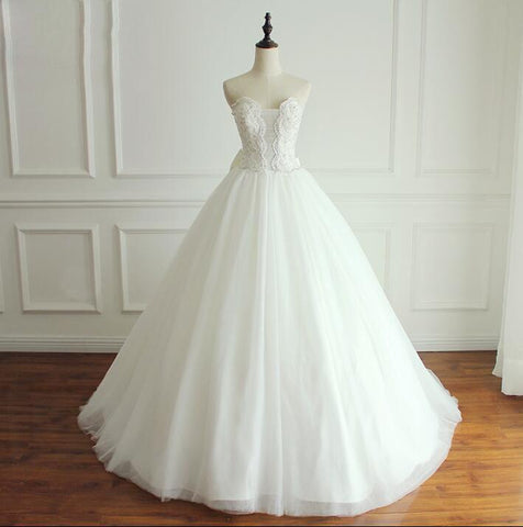 products/A-line_White_Ivory_Elegant_Weeding_Dresses_Princess_Summer_Free_Custom_Bridal_Gowns_with_Bow.jpg