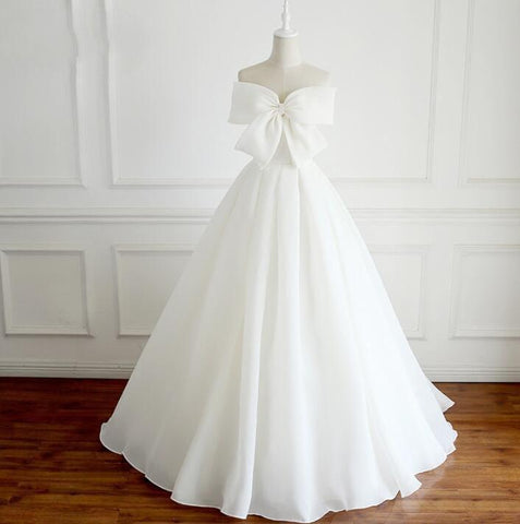 products/Glamorous_Uniques_New_Deqign_White_A-line_Elegant_Formal_Weeding_Dresses_with_Bow.jpg