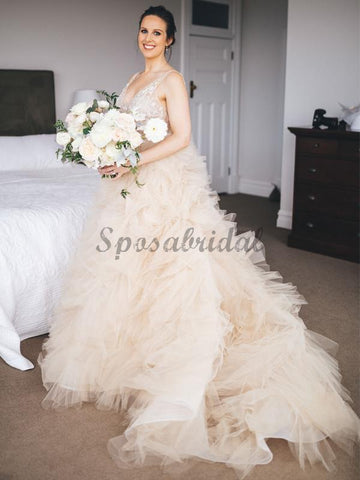 products/Gorgeous_Lace_V-neck_Ruffles_Tulle_Ball_Gown_Wedding_Dresses_DB0163-1.jpg