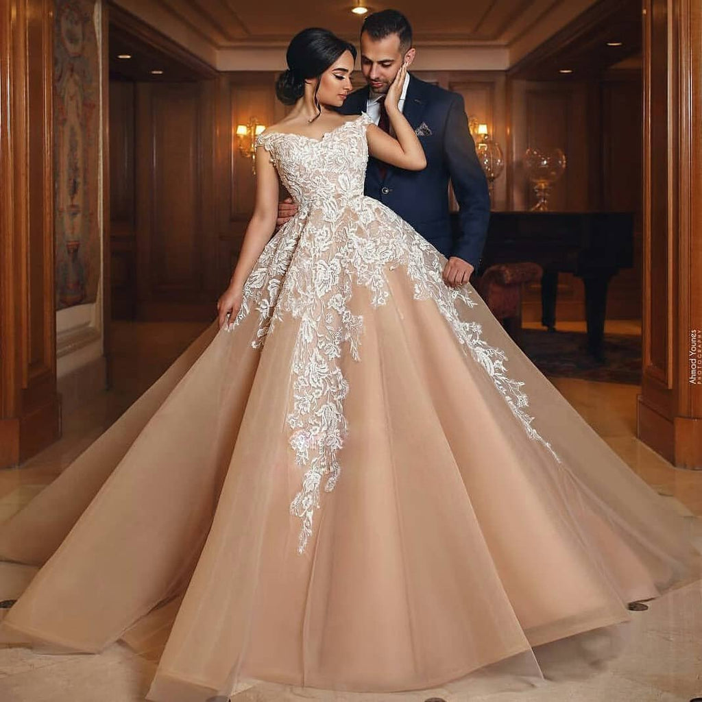 Gorgeous Long High Quality Elegant Hot Sale Lace Appliques Wedding Dresses Online ,WD0347