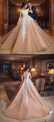 products/Gorgeous_Long_High_Quality_Elegant_Hot_Sale_Lace_Appliques_Wedding_Dresses_Online.jpg