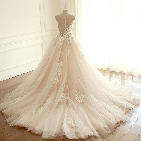 products/wedding_dresses_25.jpg