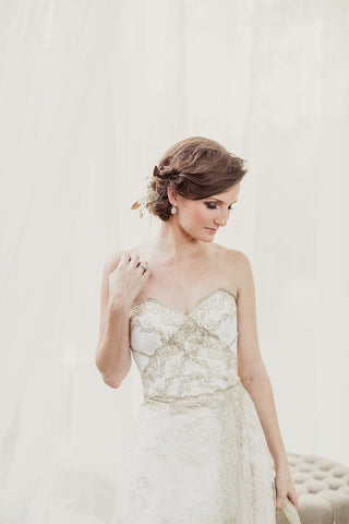 products/Gold_Lace_Off_White_Tulle_Sweetheart_Strapless_A-line_Wedding_Dresses_WD0165-1.jpg