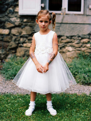 products/Simple_Ivory_Lace_Tulle_Belt_Scoop_Neck_Flower_Girl_Dresses_FGS055-1.jpg