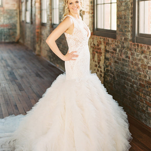 products/Sleeveless_Lace_Open_Back_Organza_Ivory_Ruffles_Mermaid_Wedding_Dresses_WD0087.jpg
