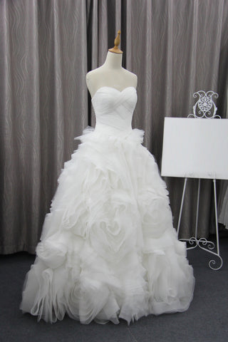 products/Unique_Bubble_Organza_Sweetheart_Strapless_Ball_Gown_Wedding_Party_Dresses_WD0013-2.jpg
