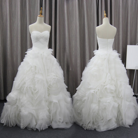 products/Unique_Bubble_Organza_Sweetheart_Strapless_Ball_Gown_Wedding_Party_Dresses_WD0013-a.jpg