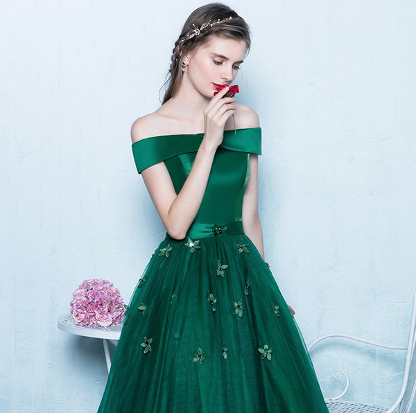3c82389c8ee4 Green Off Shoulder Lace Up Back Appliques Party For Teens Prom Gown Dresses