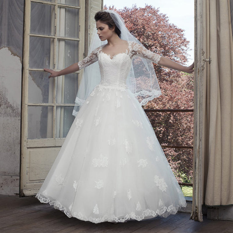 Vintage Lace Yarn Appliques Back Half Sleeve Sweetheart Ball Gown ...