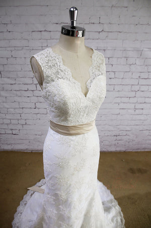 Lace Applique Sleeveless Mermaid  V-neck Open-back Bow-Belt Ivory  Wedding Dress, AB1081