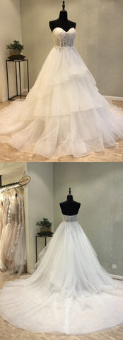products/wedding_dress-1_cda79b42-e224-4c45-a806-acd778fb0821.jpg