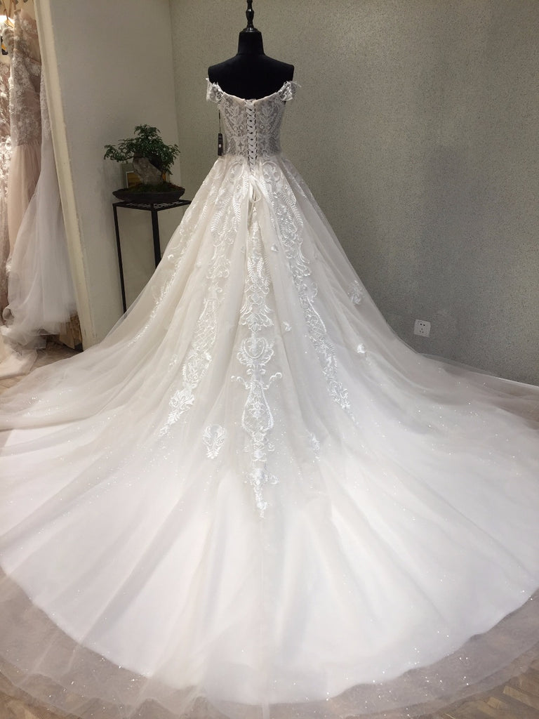 Off the Shoulder Tulle Applique Charming Long Affordable Bridal Wedding Dress, WG678